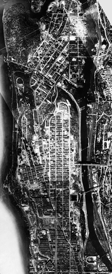 The closing of the Manhattan frontier: Above 155th Street, Washington Heights and Inwood. By 1924 the island had been almost completely built-up: even in Inwood few unimproved lots remained open for new construction. Aerial survey, 1924.