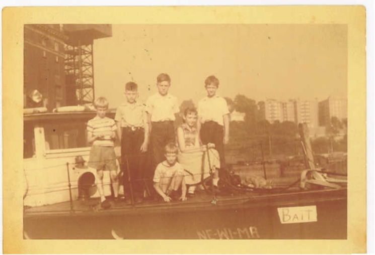 THE ISECKE CHILDREN AND THEIR COUSINS AT THE DYCKMAN STREET YARD [BILL'S BAIT SHOP OPEN FOR BUSINESS !!]