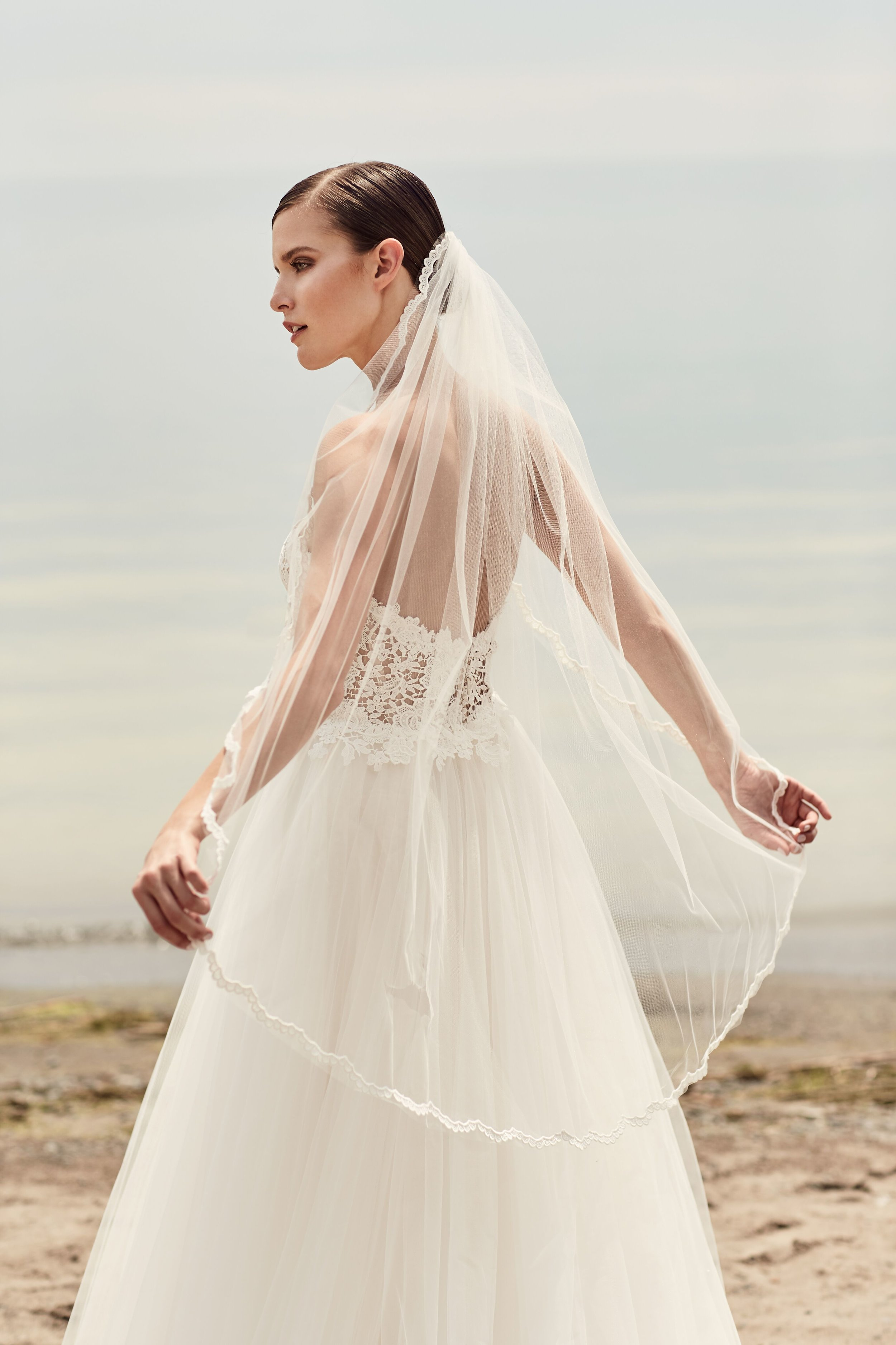 mikella veil 9 super narrow offwhite lace.jpg
