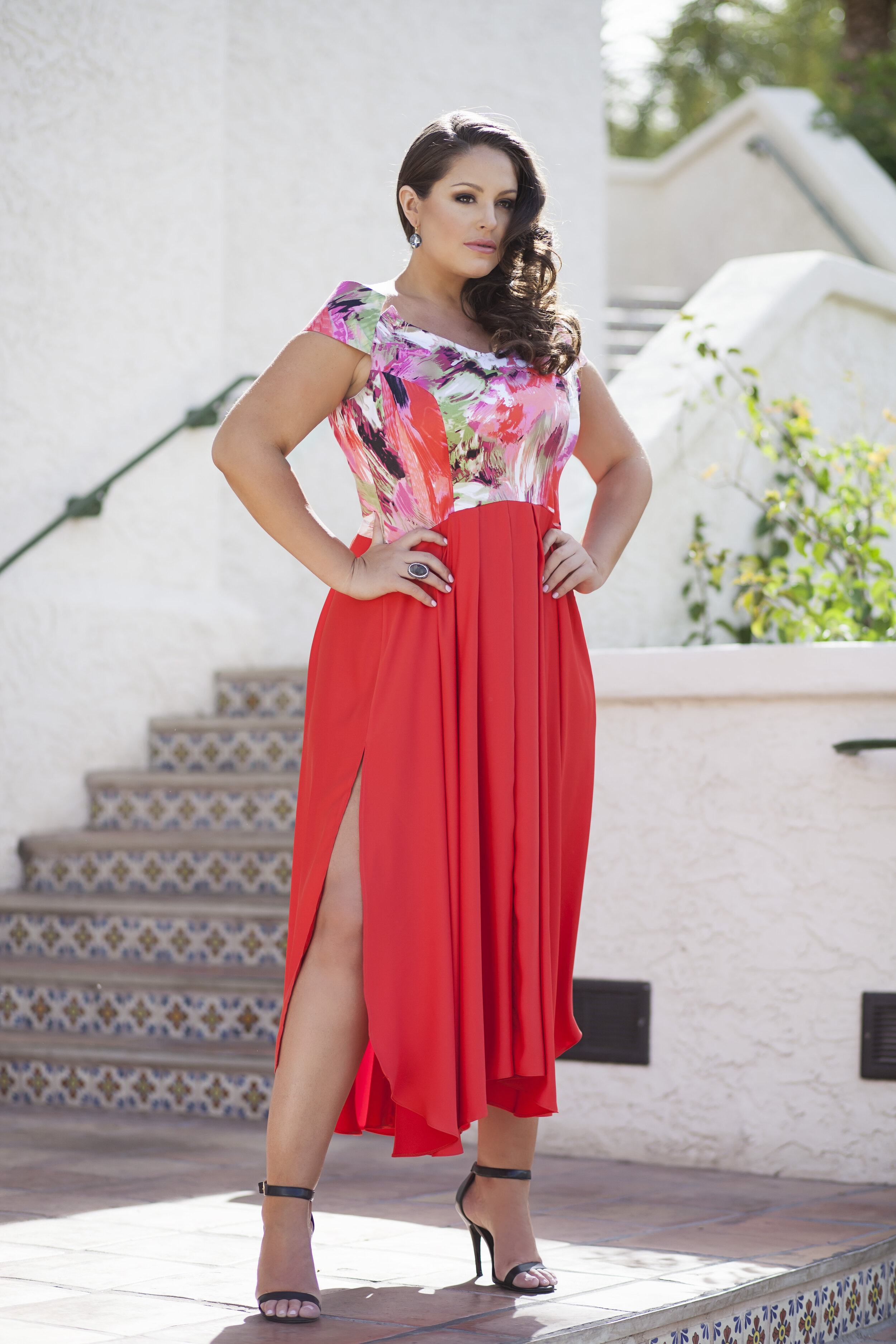 Plus size mode Lexi Placourakis in bespoke couture maxi pleated maxi dress by Alis Fashion Design featured in North Scottsdale Lifestyle Magazine.jpg