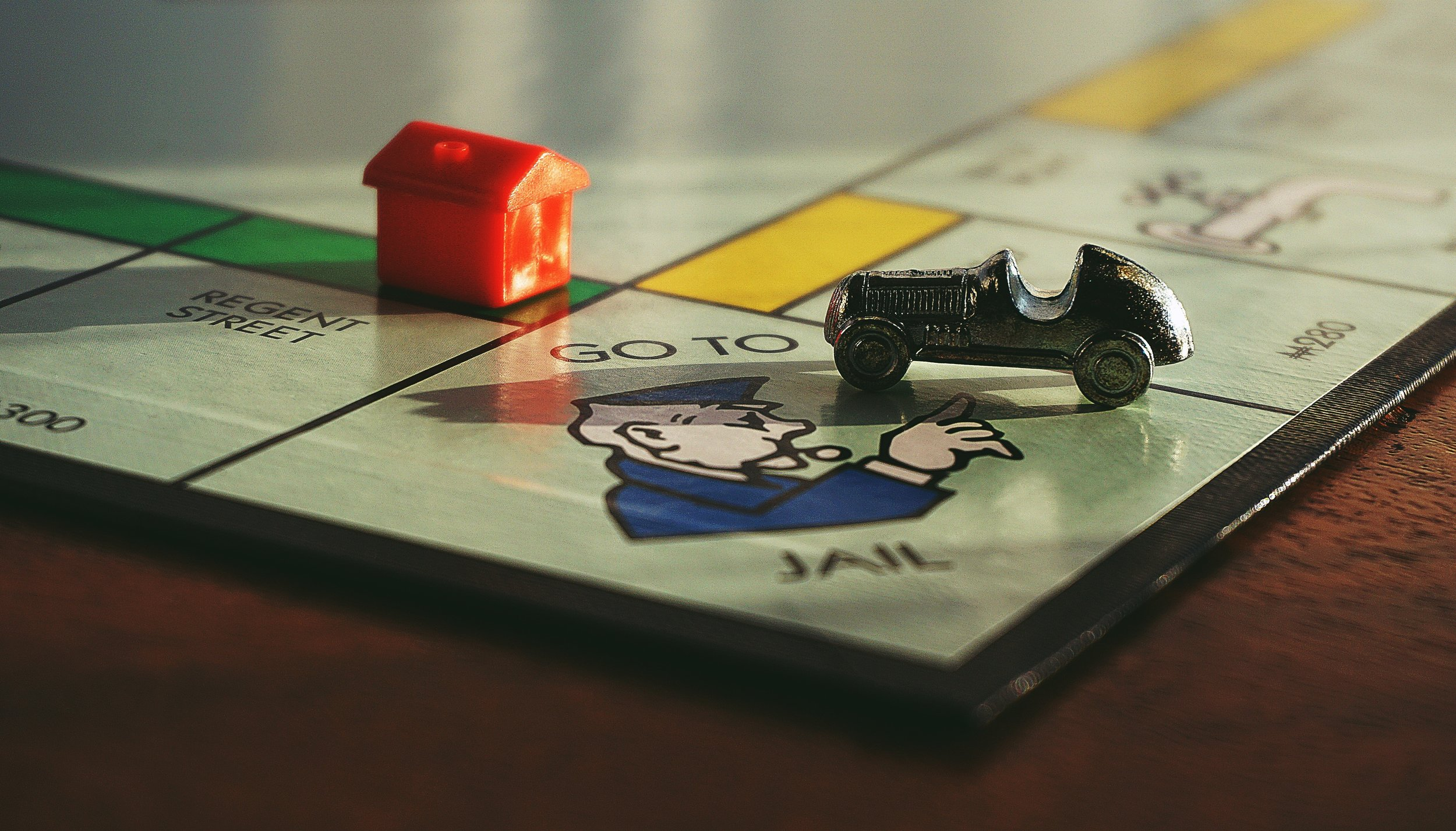 board-game-chance-close-up-1422673.jpg