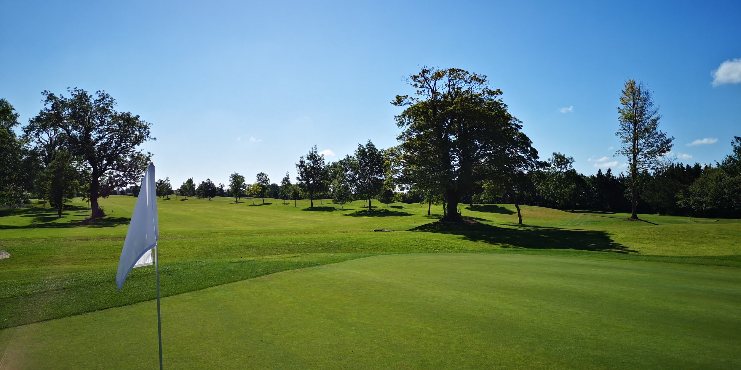 PLAY ALL YEAR ROUND - Professionally designed and managed greens and our temperate climate make our courses playable every day of the year
