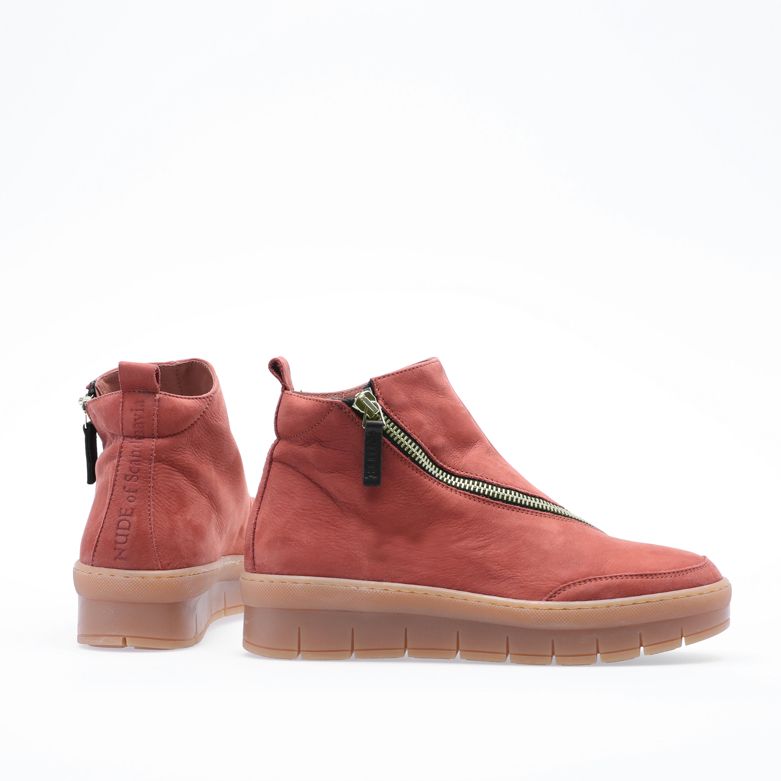 D - Everything is in the same color except thesole, which is always nature colored
