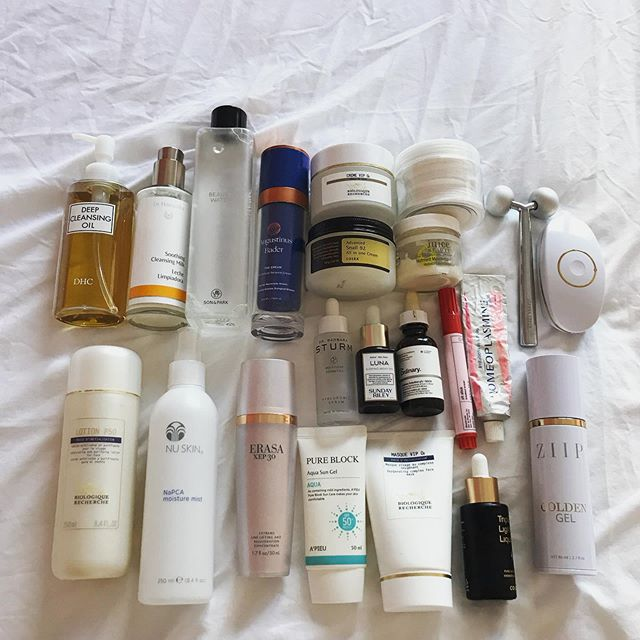 What categories of products should be part of an ideal skincare collection? ⠀⠀⠀⠀⠀⠀⠀⠀⠀ It depends on your skin condition, climate, lifestyle, disposable income and skin goals. ⠀⠀⠀⠀⠀⠀⠀⠀⠀ There's so many variables involved and so much products on the market that it can feel overwhelming. It's tempting to buy whatever is trendy or promoted by influencers, I sure am guilty of that. ⠀⠀⠀⠀⠀⠀⠀⠀⠀ Joining challenges like #abmidyearstashchallenge is great because they encourage me to examine my stash and assess what I truly use and find value in and adjust my purchasing accordingly. I participated in the new year one and narrowed down my ideal list of categories moving forward:⠀⠀⠀ ⠀⠀⠀⠀⠀⠀⠀⠀⠀ ⠀⠀⠀⠀⠀⠀ ⚪️oil cleanser ⚪️milk cleanser ⚪️cleansing/micellar water ⚪️acid toner ⚪️hydrating toner ⚪️@augustinusbader cream ⚪️@biologique_recherche cream ⚪️@erasa treatment ⚪️average priced moisturizer ⚪️SPF ⚪️hyaluronic acid ⚪️snail ⚪️vitamin C ⚪️retinol ⚪️mask ⚪️acne treatment ⚪️caffeine eye treatment ⚪️lip balm ⚪️facial roller ⚪️electric current device ⠀⠀⠀⠀⠀⠀⠀⠀⠀ What's not on my list: sheet masks, sleep masks, first treatment essences. After trying these products, I don't feel I need them in my arsenal as I didn't notice any discernible difference with long term use. ⠀⠀⠀⠀⠀⠀⠀⠀⠀ Having this list keeps me disciplined to only explore new products within the categories I established for myself and exercise restraint in adding new categories.