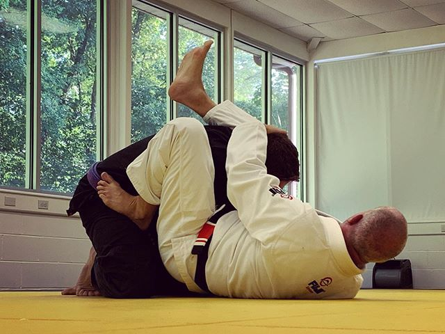 Triangle Chokes and Escapes in the Fundamentals Class