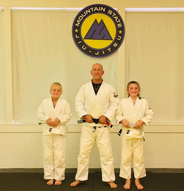 Some new stripes in the Kids Class, congrats!