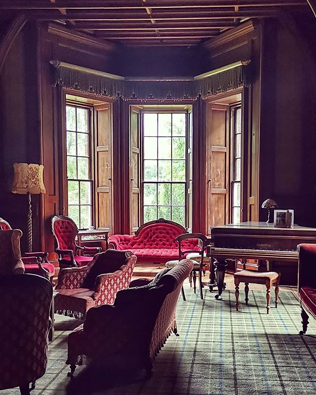 The perfect place to relax after a day on the river 🎣 - - - - #blackcraigcastle #castle #scotland #scottish #scottishCastle #visitscotland #airbnb #explore #holiday #staycation #romanticcastle #architecture #architecturephotography #history #scottishhistory #hiddengem #holidayscotland #secretescapes #romanticescape #romanticholiday #drawingroom #antique #antiquescotland #antiquefurniture