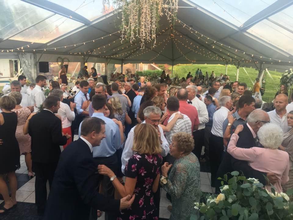 DJ-Sound-Solution-outdoor-wedding-2.jpg