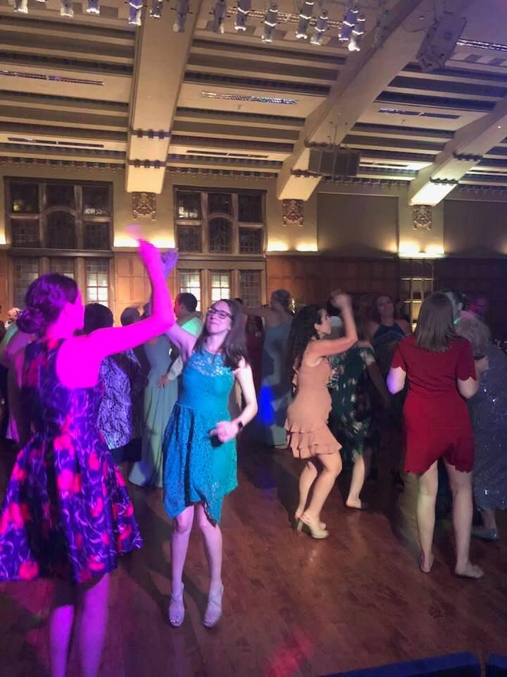 DJ-Sound-Solution-girls-dancing.jpg