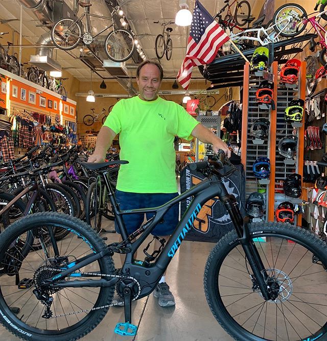 Happy New Bike Day to Robert!! This is the best time of year to get out and explore the desert. And the Turbo Levo is the perfect bike to do that on! #allmountaincyclery #bootlegcanyon #iamspecialized #turbolevo #turbosmile #morefun #newbikeday #ebike #itsyouonlyfaster #america #lasvegas #bouldercity #supportlocal #shoplocal #buylocal