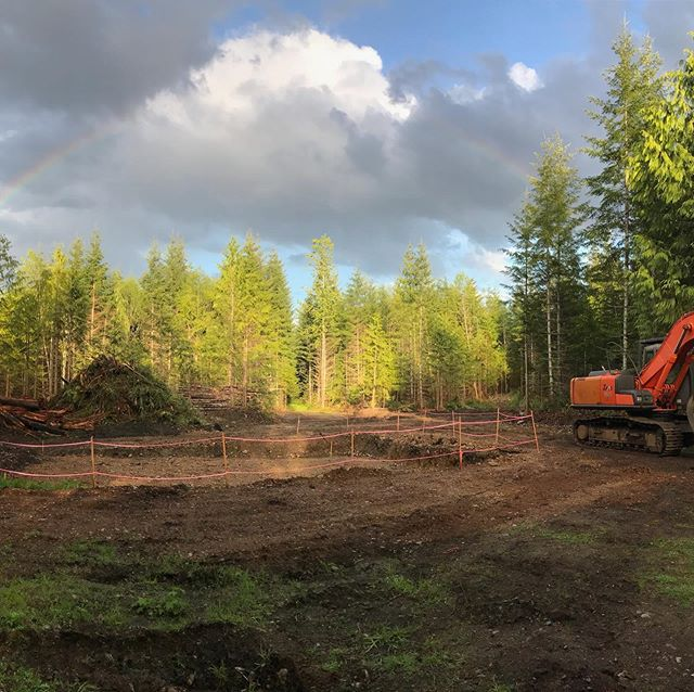 🔨 Incase you didn't know my hubby @howesoundx and parents are building a compound! ⠀ ⠀ We've bought a 15 acre piece of raw land and, between a civil contractor, building designer, a retired contractor + framer, and part-time sitter of my baby girl, we're building 2 homes and a workshop on it. ⠀ ⠀ I'm sharing our story over @bldghome. Come follow along! ➡️ . . . . . #buildinghome #theBHproject #bldghome constructionsite #siteprep #jobsite #excavation #designer #buildingdesigner #contractorslife #designerlife #civilcontractor #contractor #generalcontractor #framer