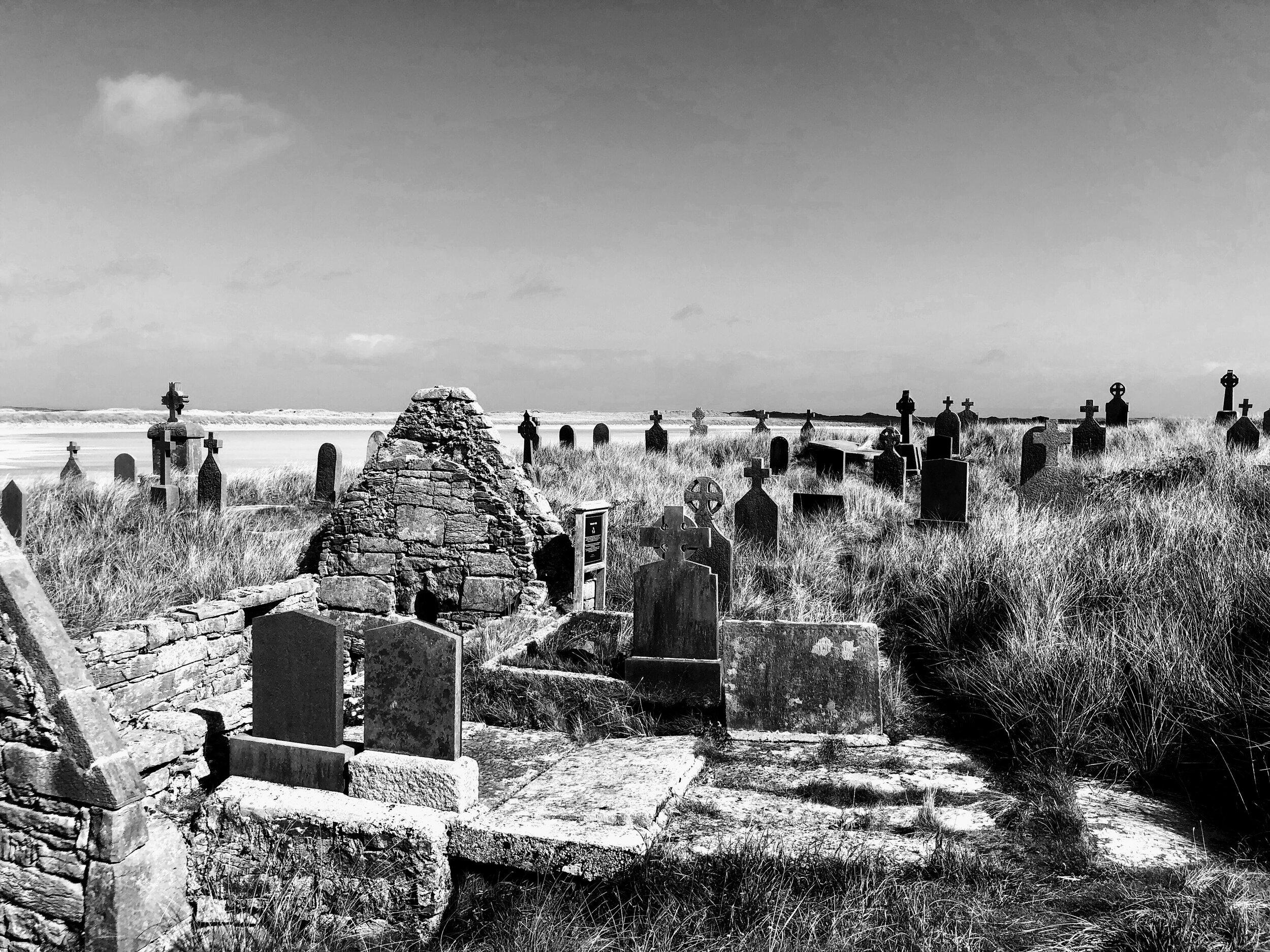 enda church and graveyard - b&w.JPG