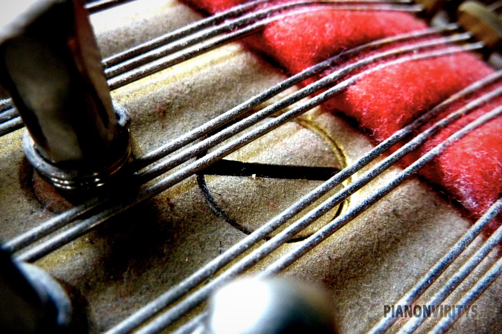 Piano 10.jpg