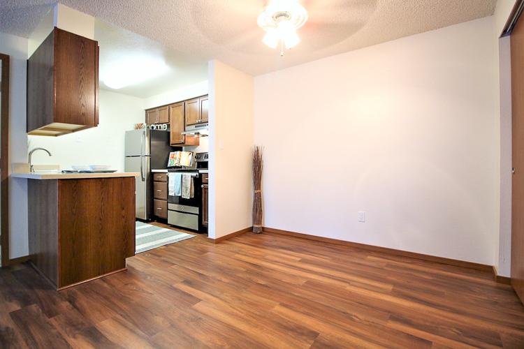 benson-village-apartments-dining-room-kitchen.jpg