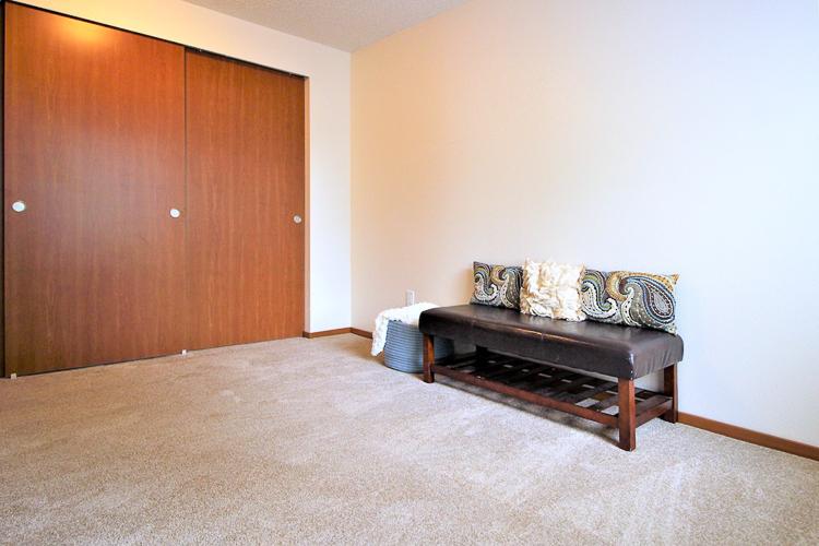 benson-village-apartments-master-bedroom-closet.jpg