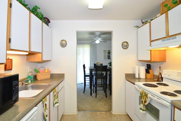 cascade-court-apartments-kitchen.jpg