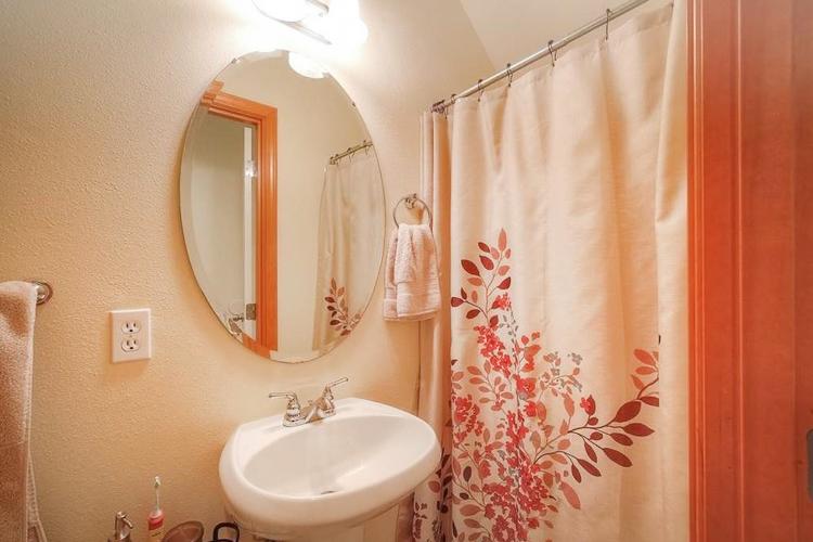 sumner-square-north-bathroom-downstairs.jpg