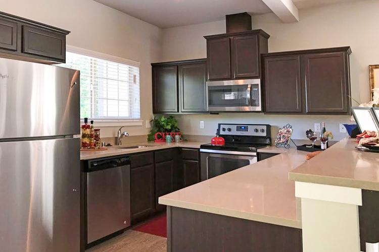 vikings-landing-townhomes-kitchen.jpg