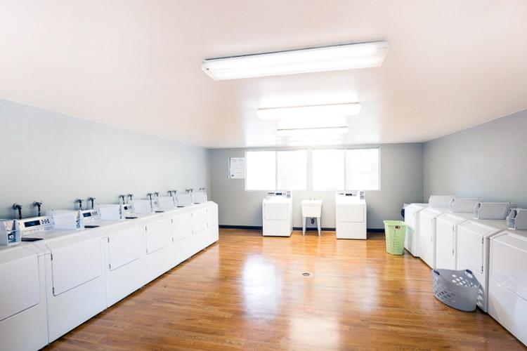 benson-village-apartments-laundry-room.jpg