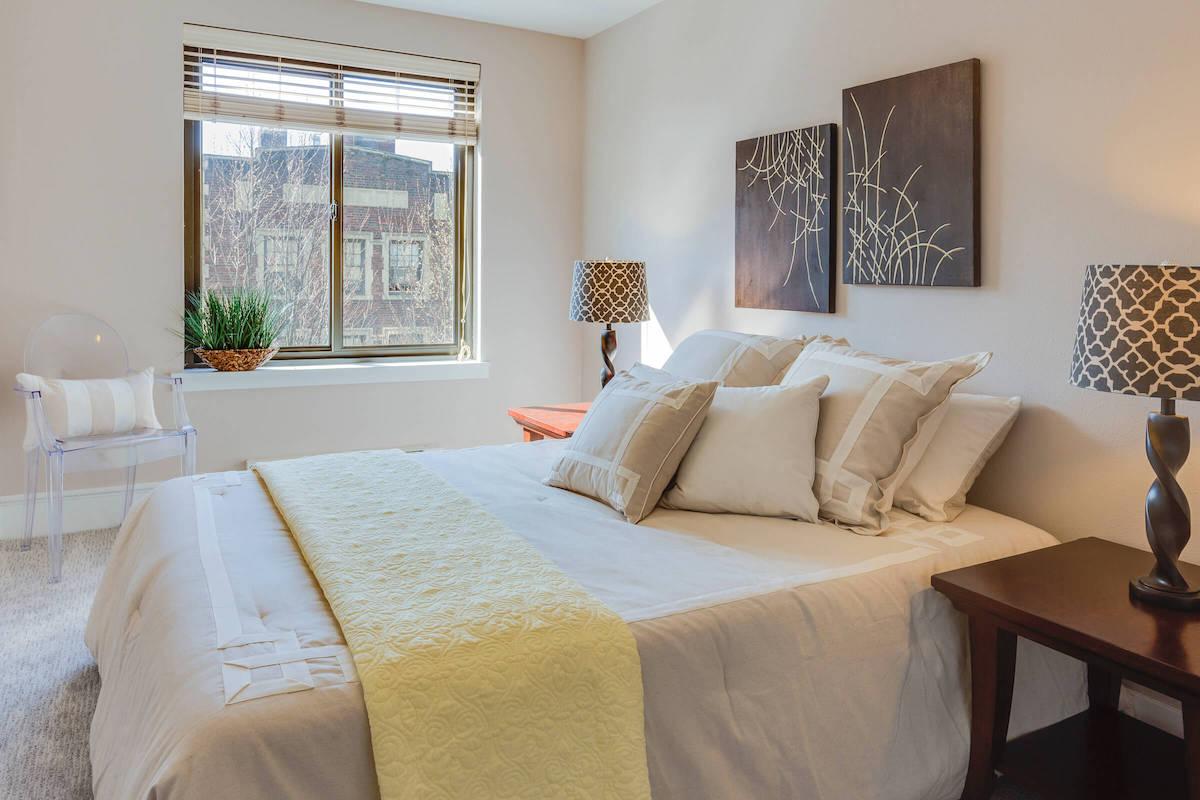 residents-bedroom.jpg