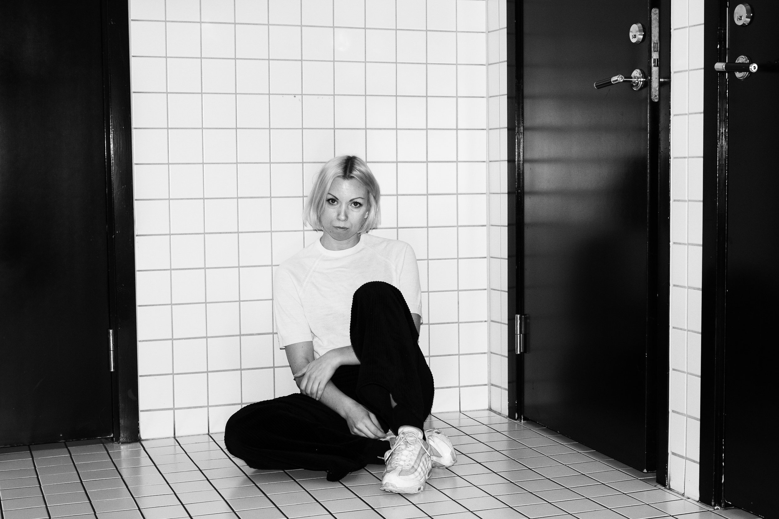 THERESE LITHNER - BOOKING: AXEL@ECHOTHREE.SELABEL: LAZY OCTOPUS RECORDS