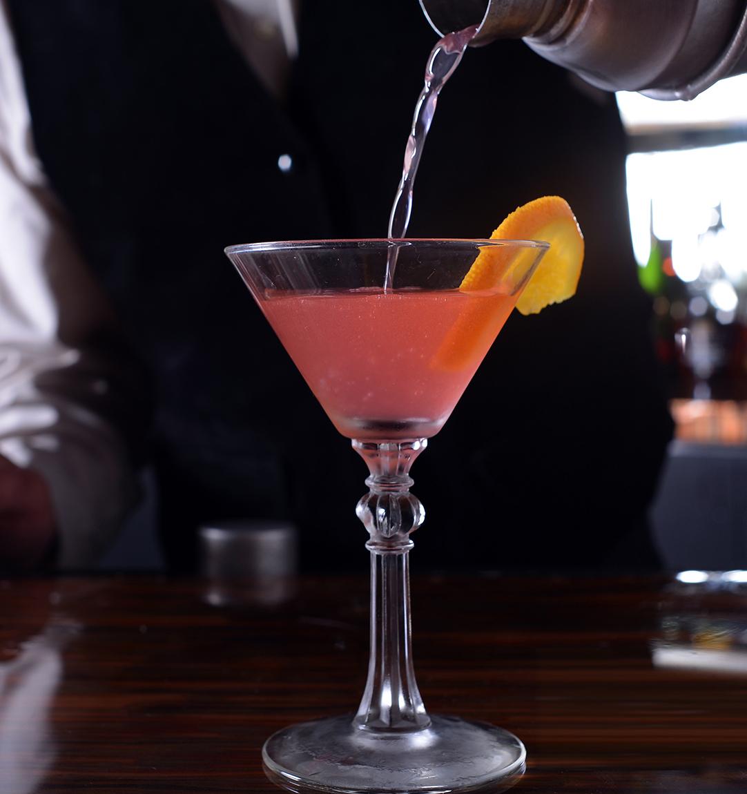 LDV-cocktail-pour2.jpg