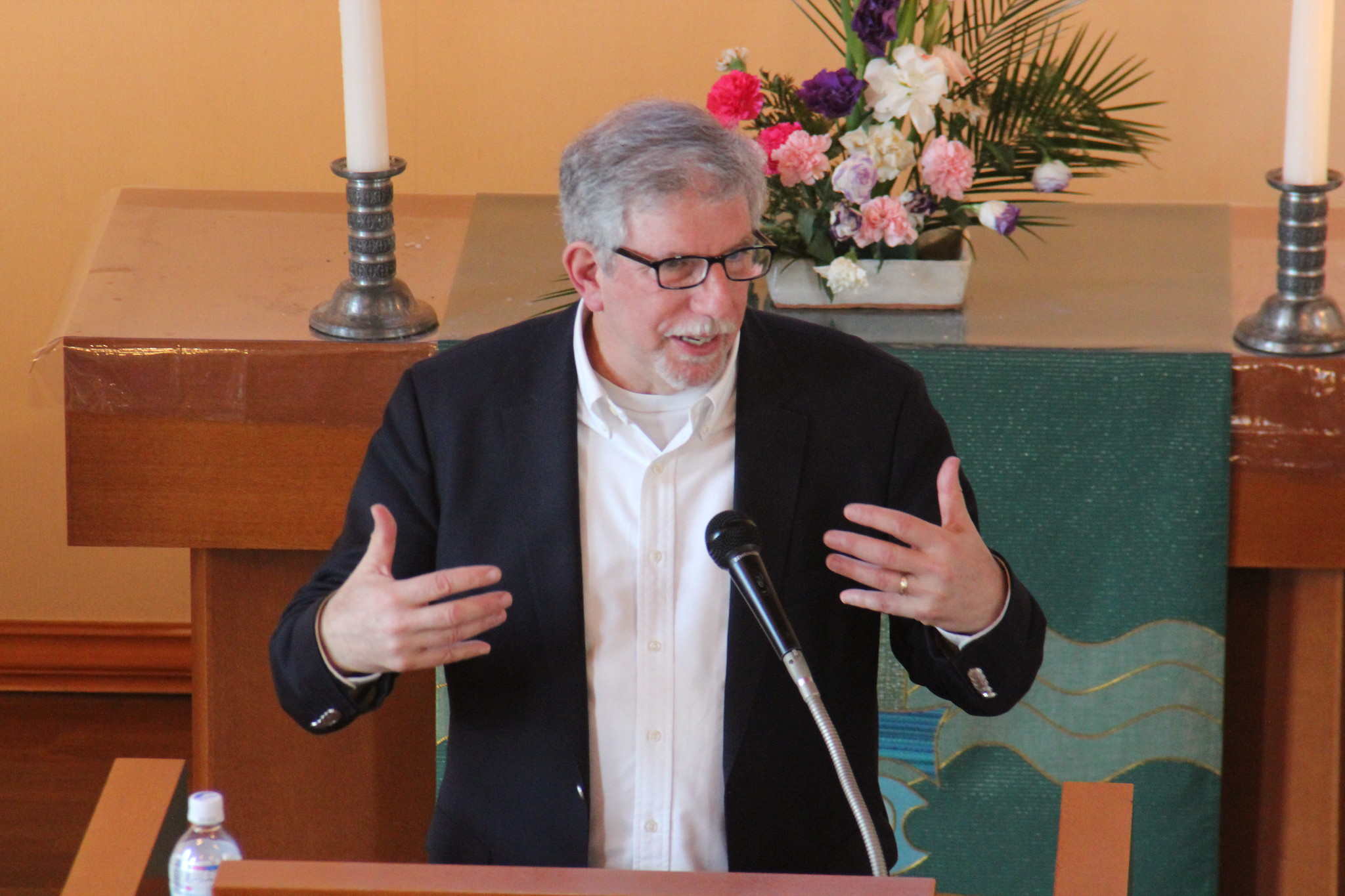 Bob teaching about evangelism