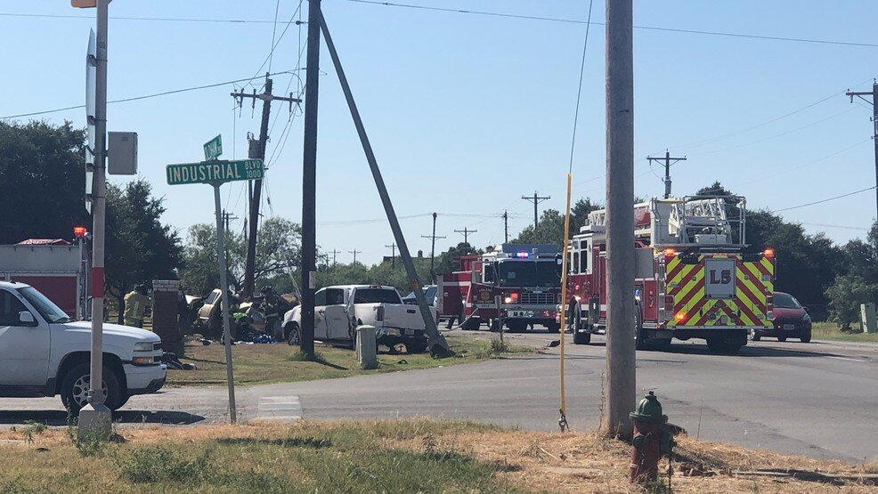 Abilene man dies in 2-pickup truck collision.jpg