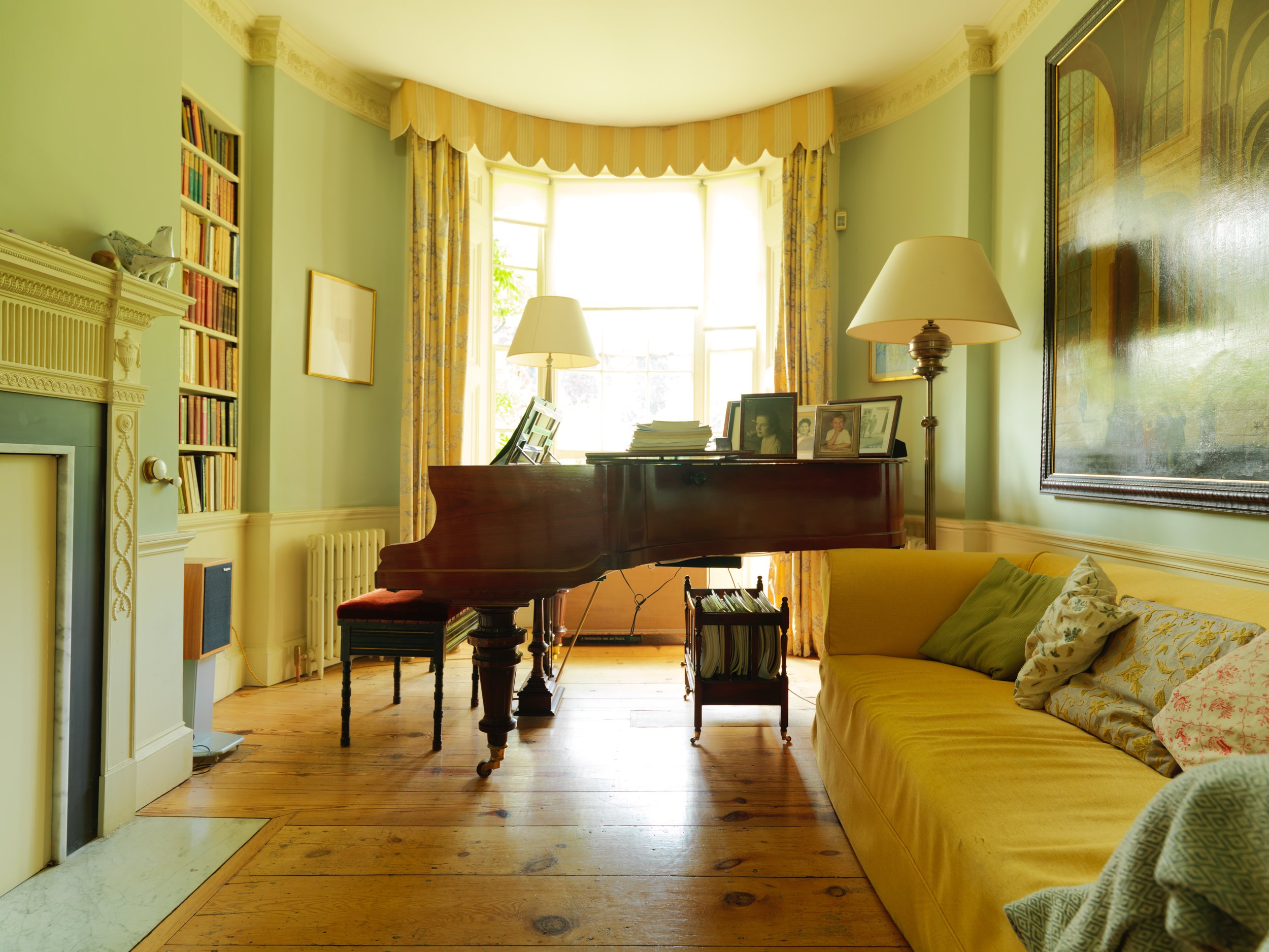 Sitting room with grand piano