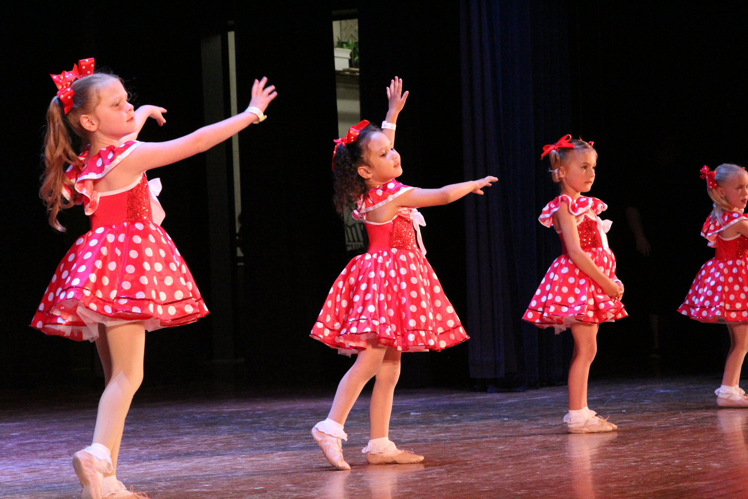 Mini Dance Bugs - Ages: 4-5Our younger dancers will be introduced to the basic concepts of tap and ballet in these playful classes. Students will learn techniques through simple songs, creative movement and rhythms.