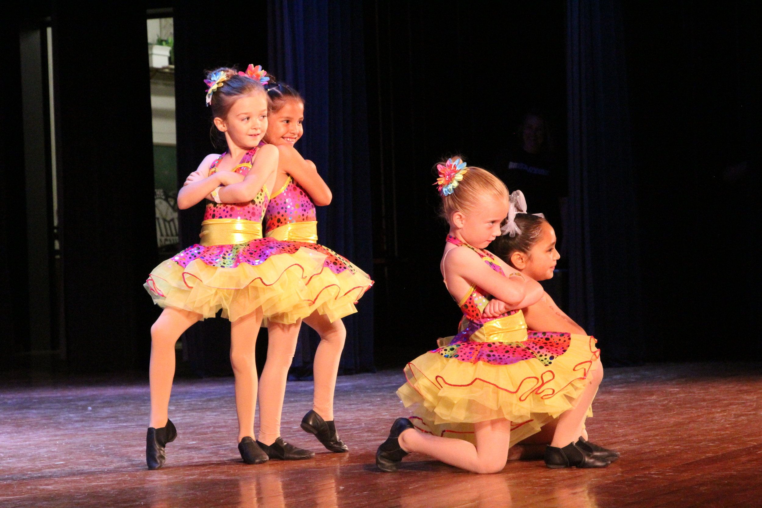 WHO WE ARE - Plaza Academy is Plaza Theatre Company's fine arts education program. Our Academy offers a variety of fine art disciplines for youth ages 2 to 18. Classes include study in acting, musical theatre, voice, tap, ballet and more!