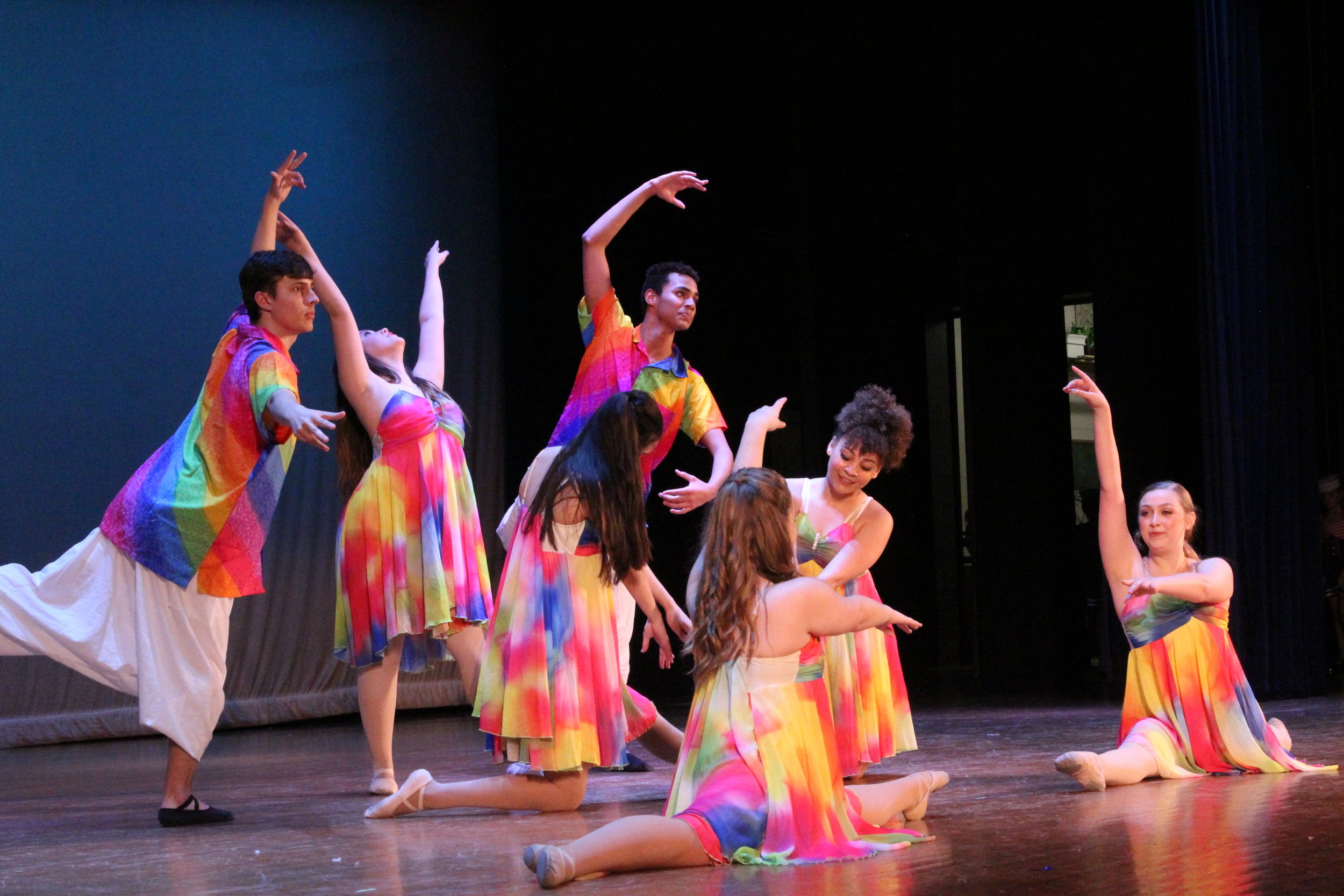 Ballet For Teens - Ages: 12-18Teens will enjoy learning the basics of ballet while developing confidence, mental concentration, physical coordination and grace.