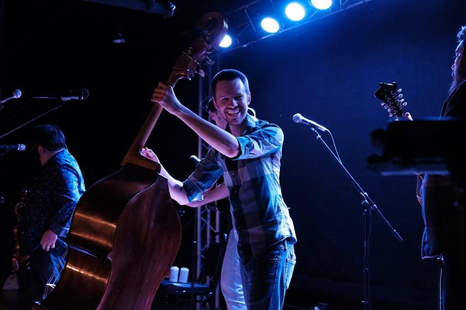 Jeff Campbell: bass, tenor vocals, van mechanic