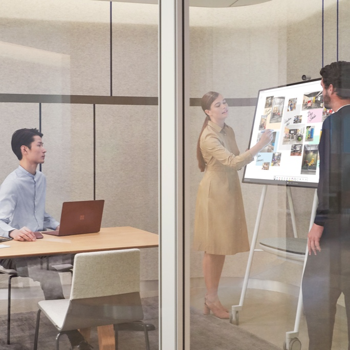 Onsite - Having people physically together can increase the speed of technology adoption on projects. Collabtech can tailor specific events over a day including a range of common scenarios.