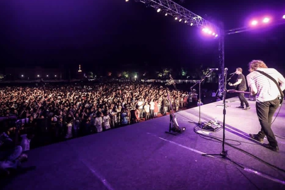 sound of HOPE - The outreaches held in January 2016 and Feb-Mar 2017… Radical blessings to see multitudes come to Christ, believers encouraged in their faith, and the people of Chennai and Bangalore served!