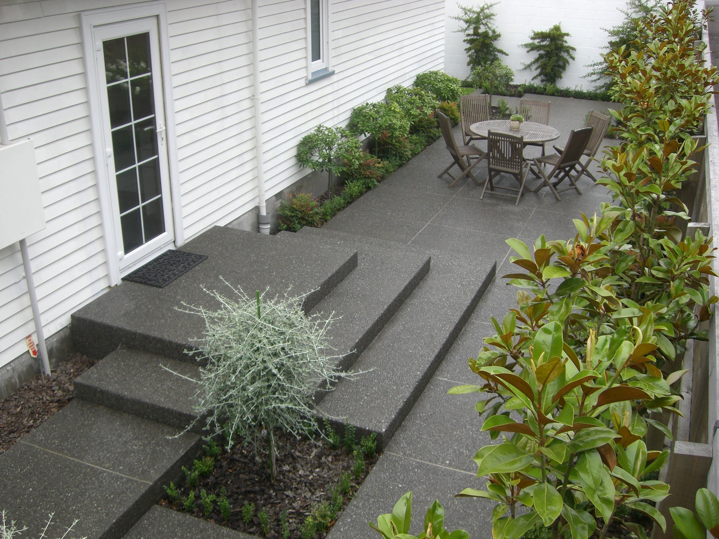 Steps & courtyard CIMG1690.jpg