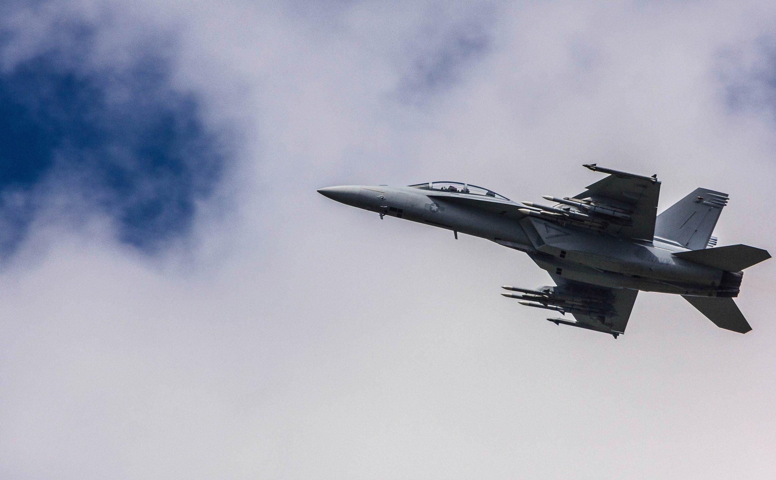 F-18.jpg