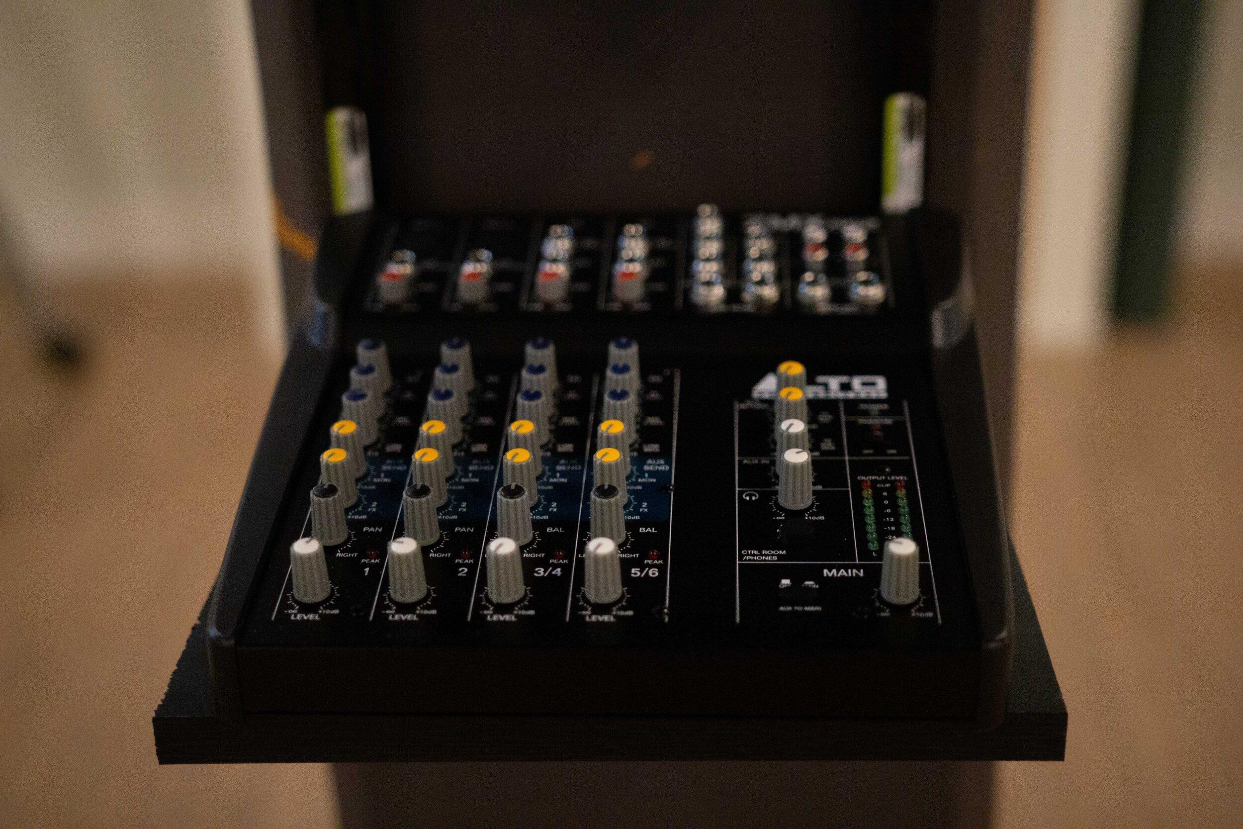 mixer-v2.jpg