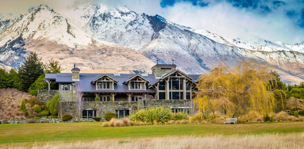 Mabey Ski_New Zealand_Queenstown_Blanket Bay Lodge (1).jpg