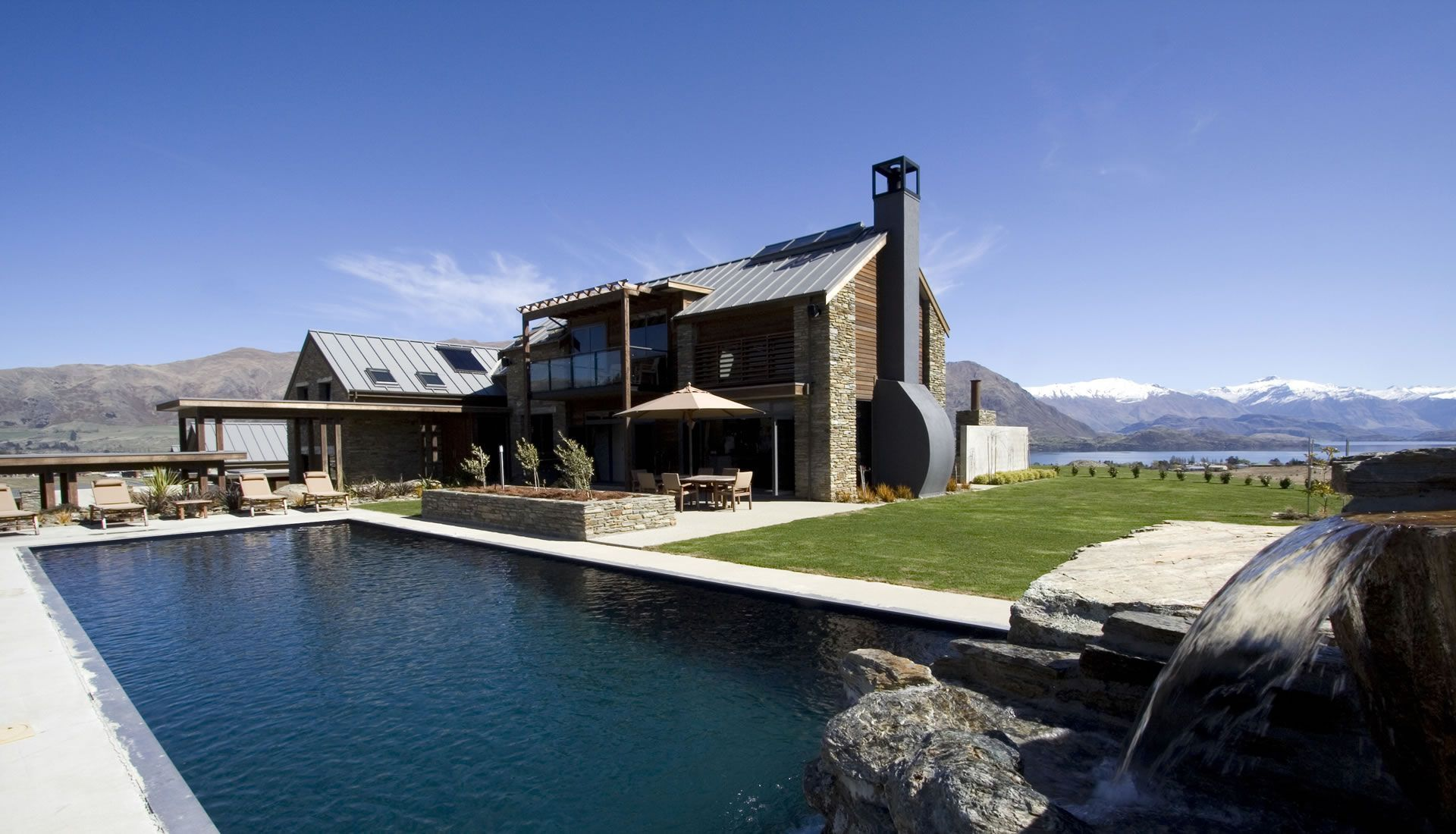 Mabey Ski_New Zealand_Wanaka_Tin Tub Lodge (1).jpg