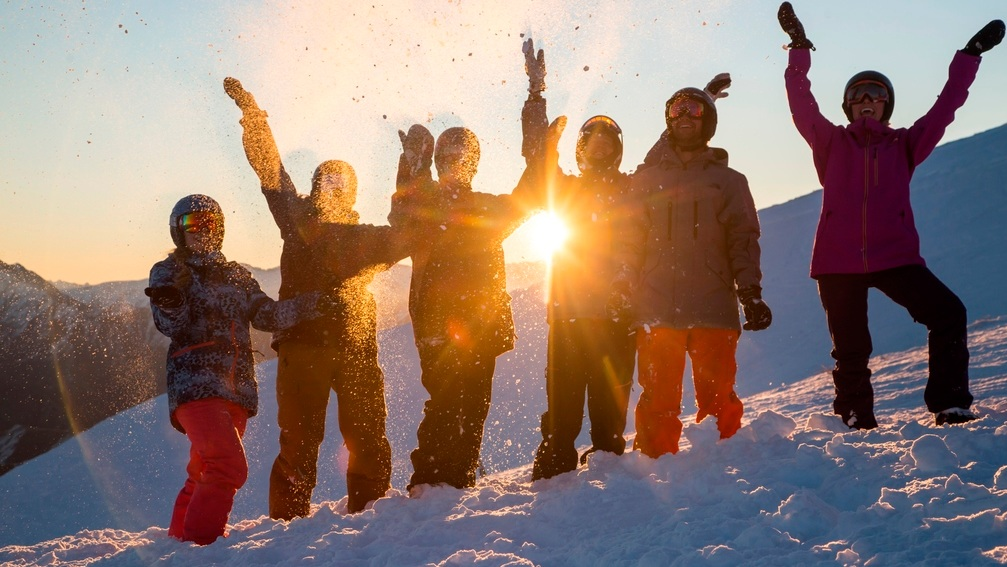 Mabey+Ski_New+Zealand_Queenstown_Coronet+Peak_Ski_2.jpg
