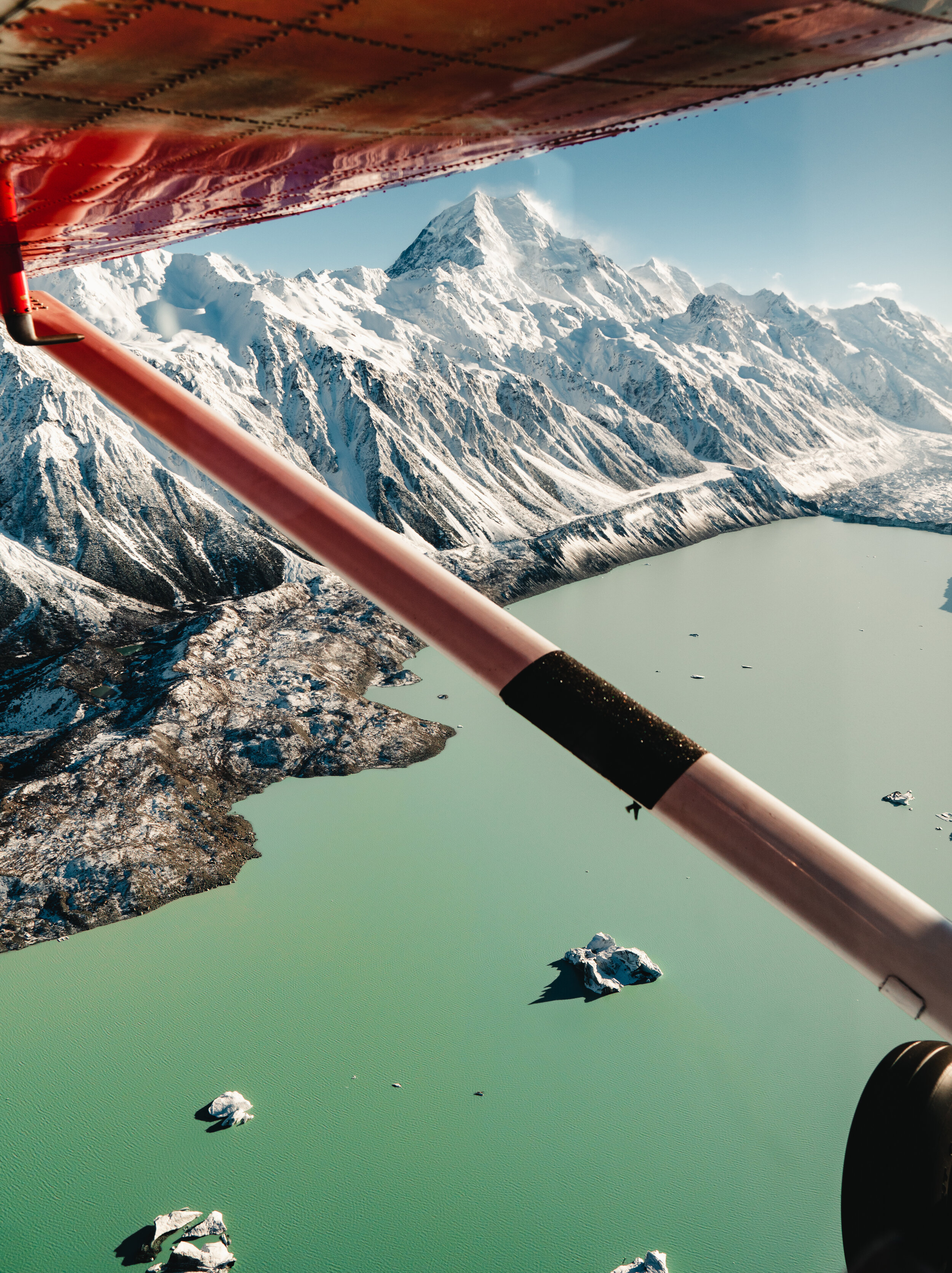Mabey Ski_New Zealand_Mt Cook Ski Planes and Helicopters_Ski Plane in Flight_2.jpg