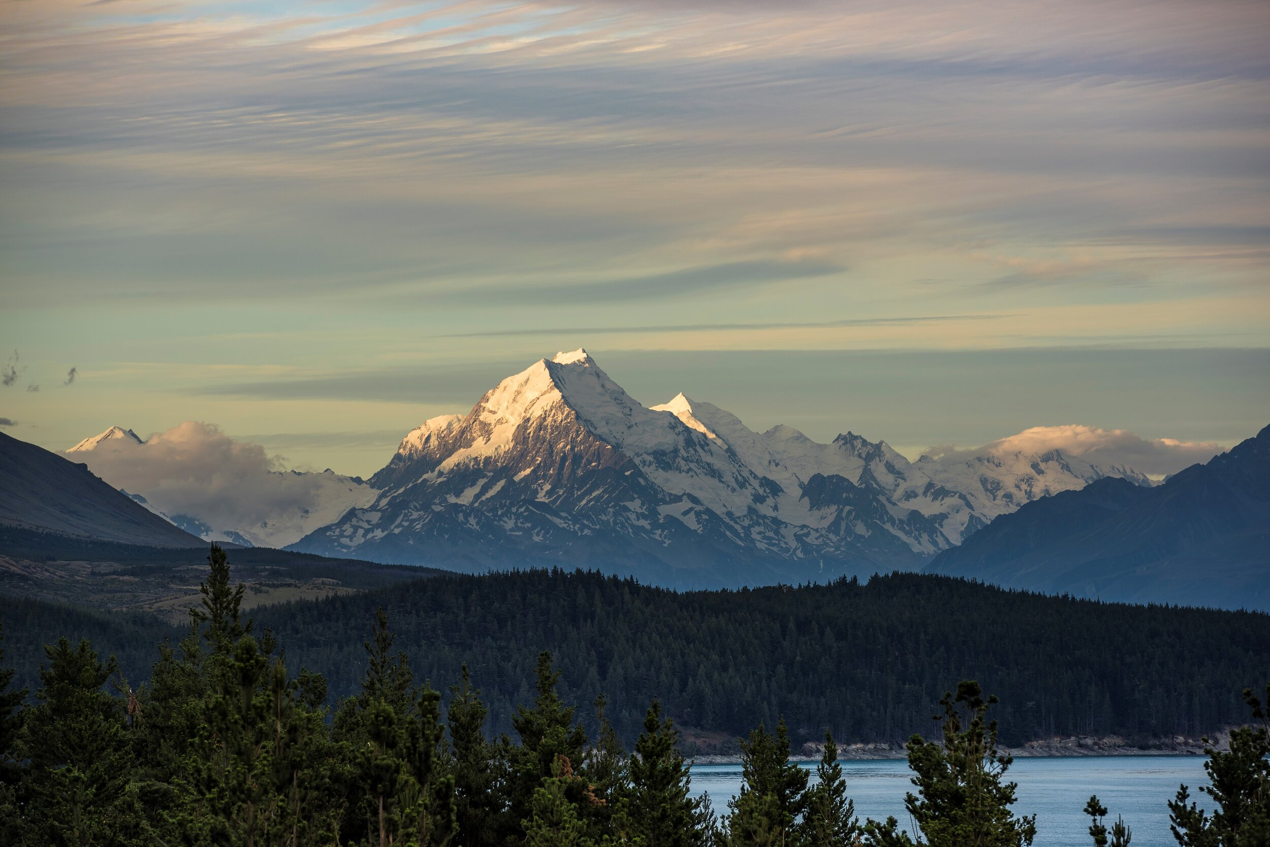 Mabey Ski_New Zealand_Mt Cook Lakeside Retreat_View of Mt Cook.jpg