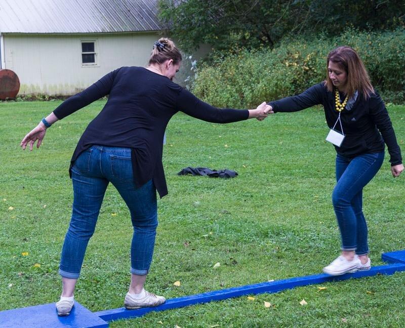 Julia & Tiffany meet in the middle, teambuildingt.jpg