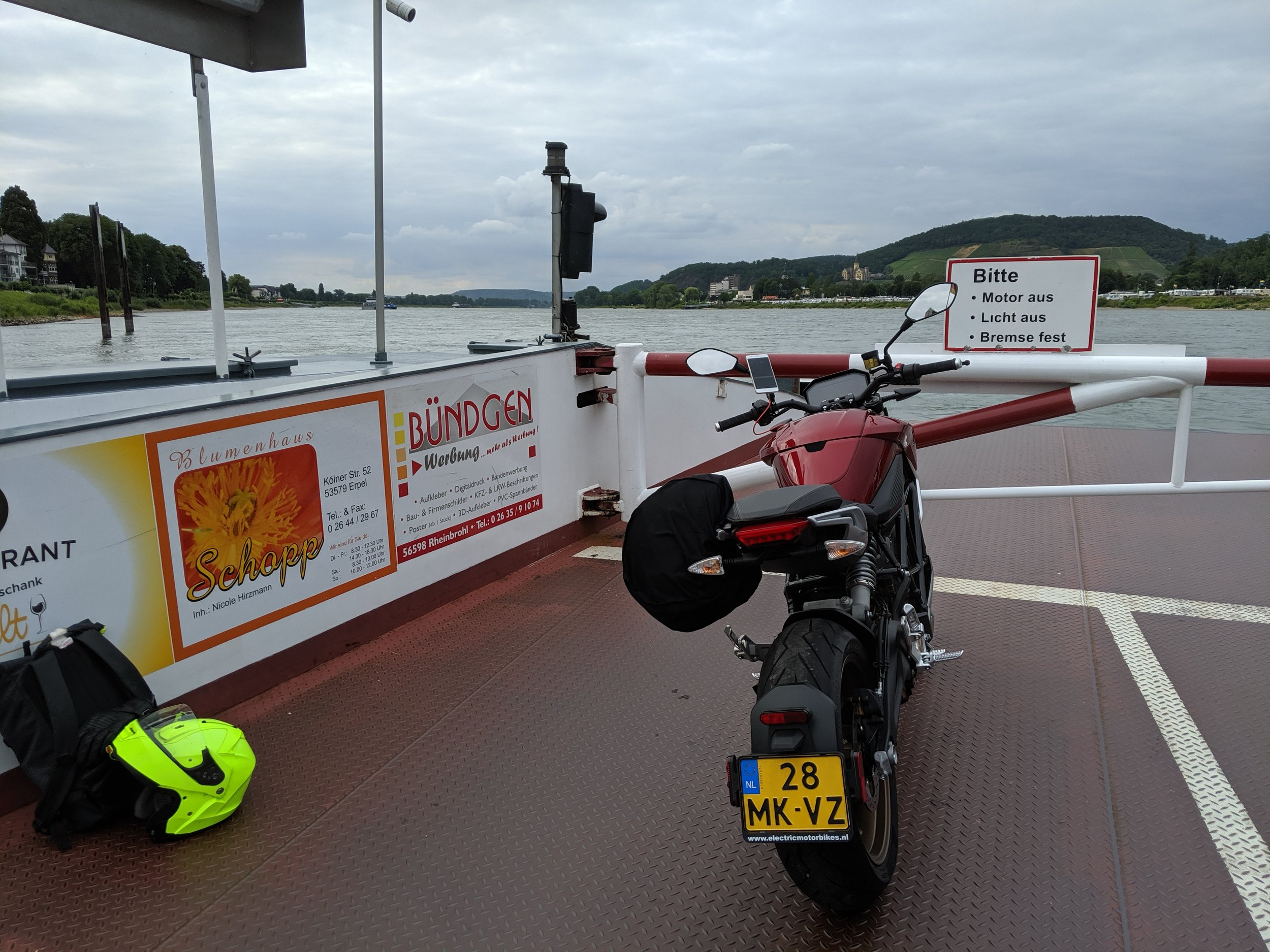 Crossing the Rhine by ferry, riding on the other side, more quiet roads, more fun!