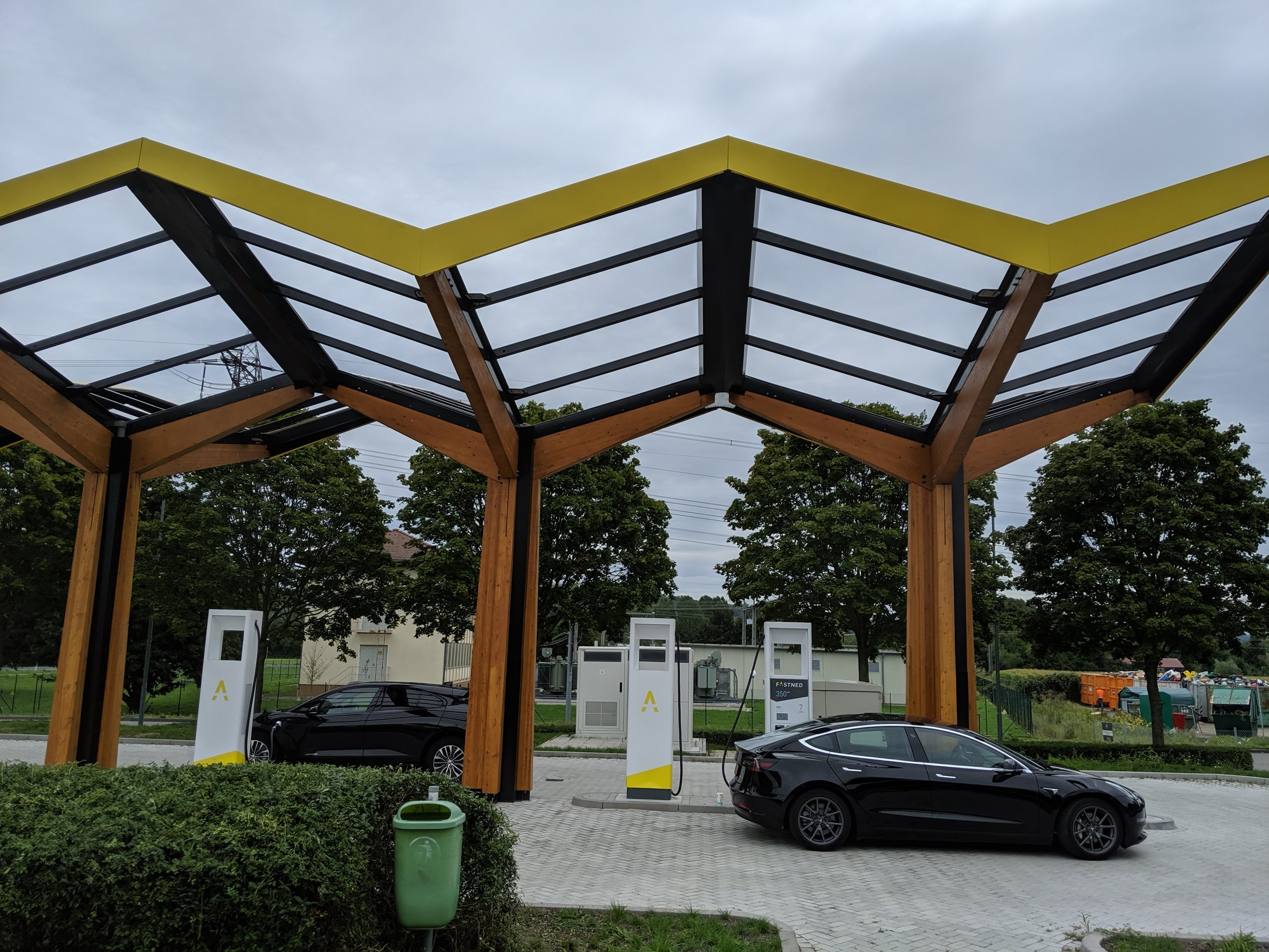 After spending 4(!) hours on the road. Time for a charge.  Fastned Herbolzheim , my first visit.