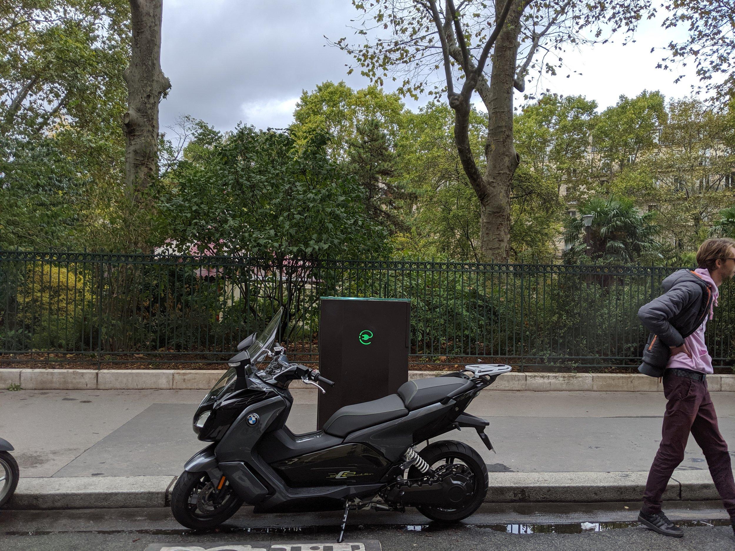 The big BMW seller in Paris!