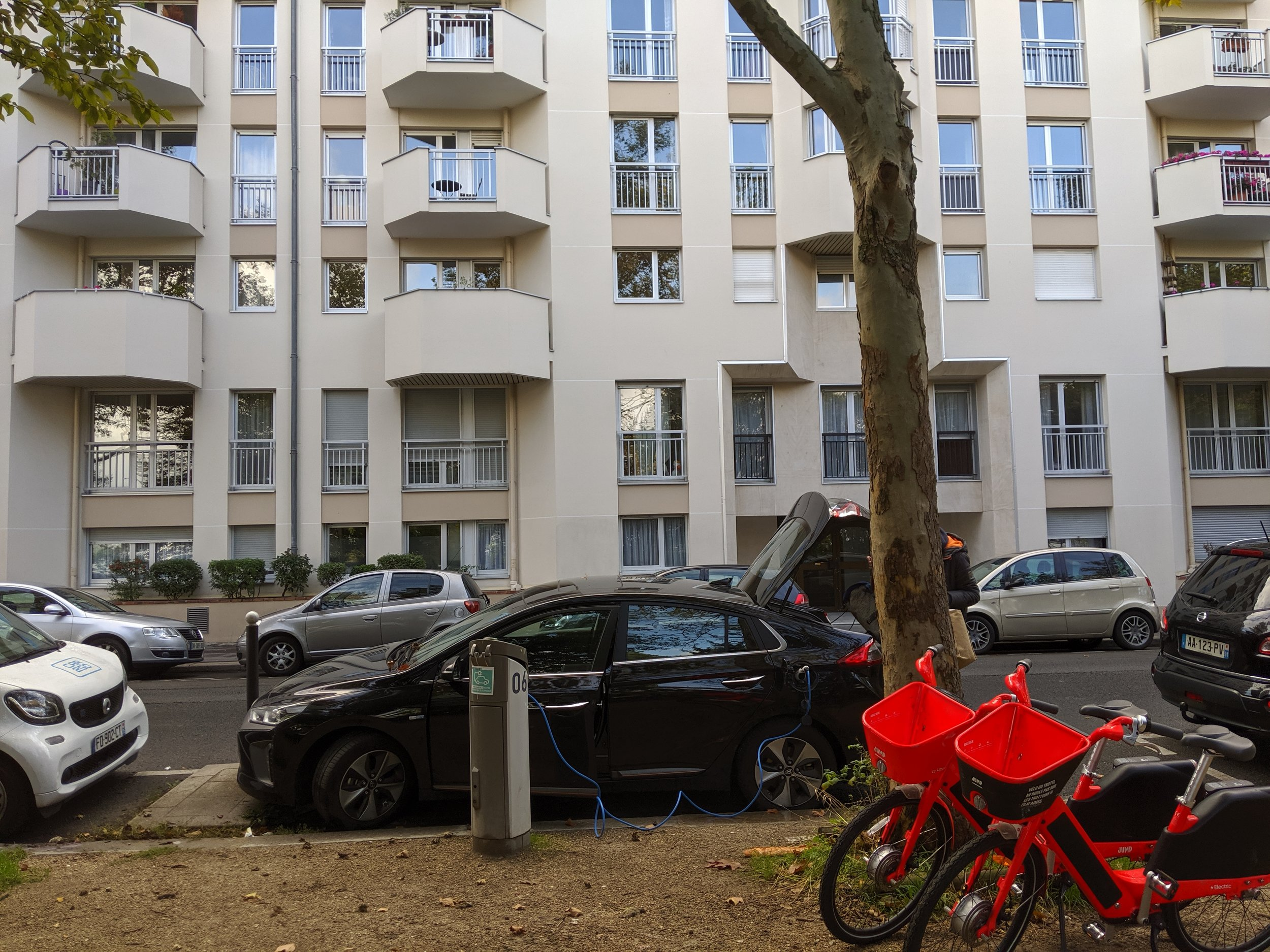 You probably noticed the Jump by Uber bikes on the right, and can you find the hidden baguette?