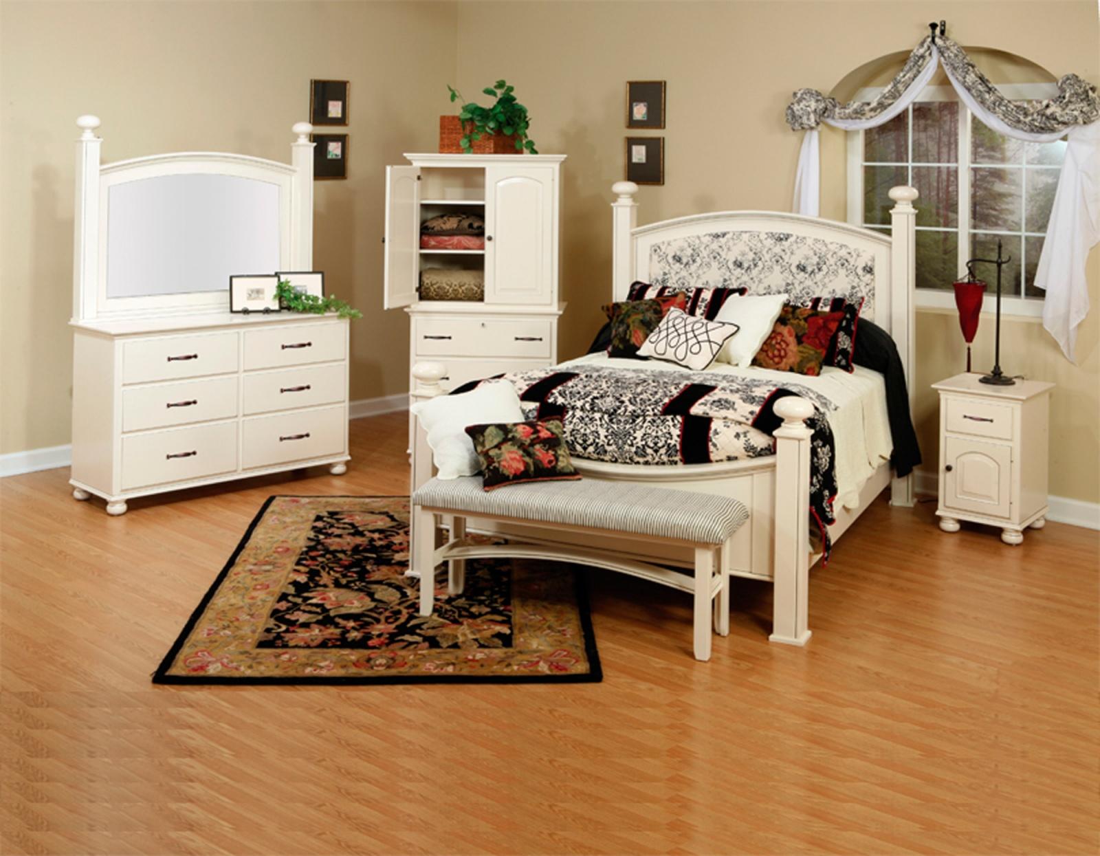 Luellen Setting with Luellen Bed.jpg