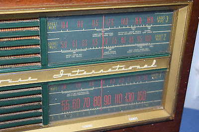Large-Vintage-Westinghouse-International-Wood-Cabinet-TUBE-RADIO-_1.jpg